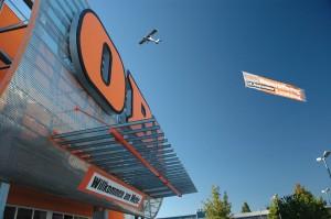 OBI Landshut_mit Banner